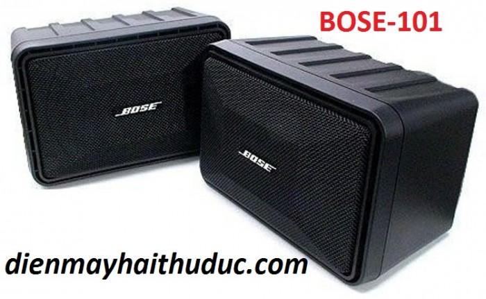 Loa Bose 101 Thùng loa được làm bằng nhựa nhám rất cứng cáp.1