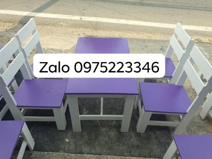 Bàn ghế gỗ nhiều màu giá tại xưỡng sản xuất0