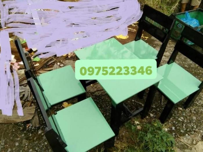 Bàn ghế gỗ nhiều màu giá tại xưỡng sản xuất3