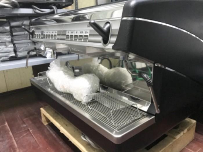 Thanh lý máy pha cà phê Nouva Simonelli Appia 216