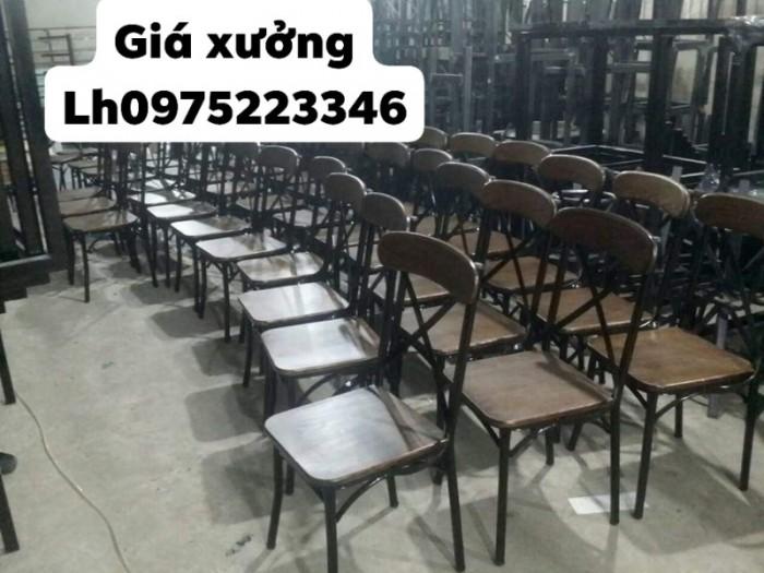Bàn ghế sắt đủ màu ngồi êm và sang giá tại xưởng..3