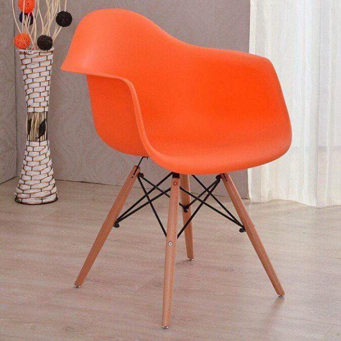Ghế nhựa đúc cao cấp chân gỗ thanh lý..3