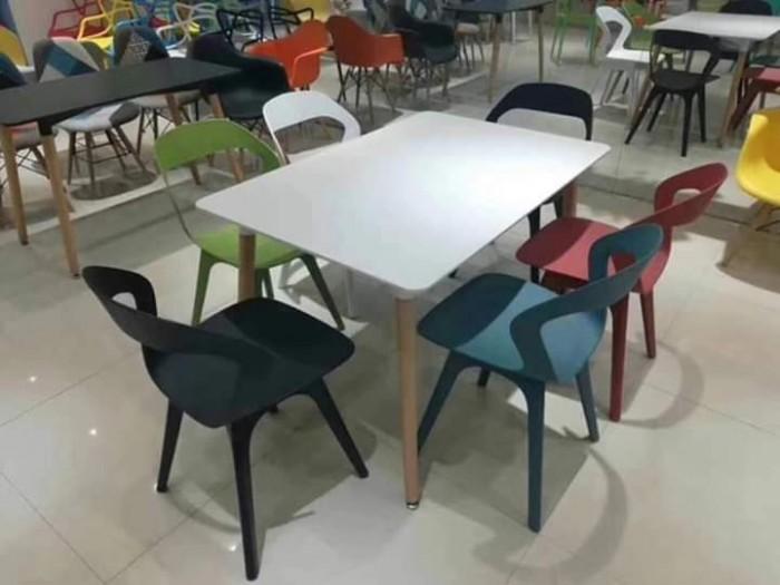 Thanh lí gấp bộ ghế nhựa đúc giá rẻ không ngờ, hàng mới giá tại xưởng..