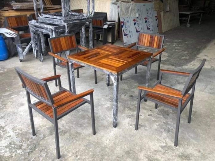 Bàn ghế sắt lạ độc  bán giá tại xưởng.5