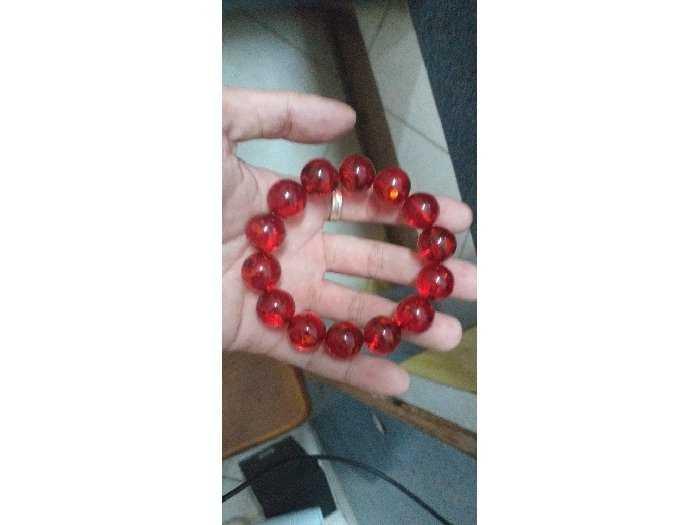 Vòng tay hổ phách huyết đỏ2