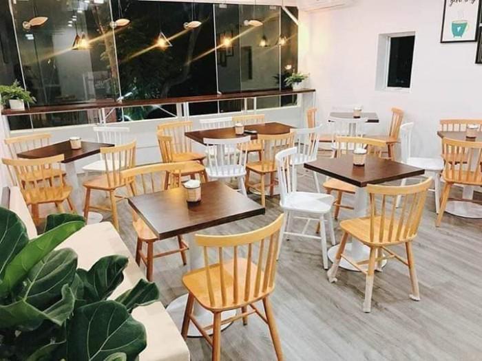 Bàn ghế gỗ nhiều màu dùng cho các cafê,nhà hàng,quán ăn,bar,resort…4