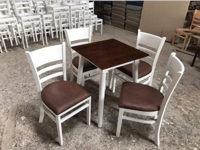 Chúng tôi cần thanh lí gấp 30 bộ bàn ghế Cabin giá rẻ liên hệ4