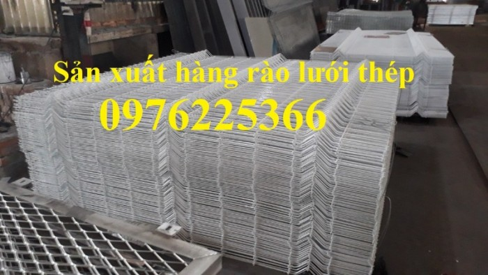 Hàng rào lưới thép mạ kẽm sơn tĩnh điện D5 a50x200 chấn sóng11