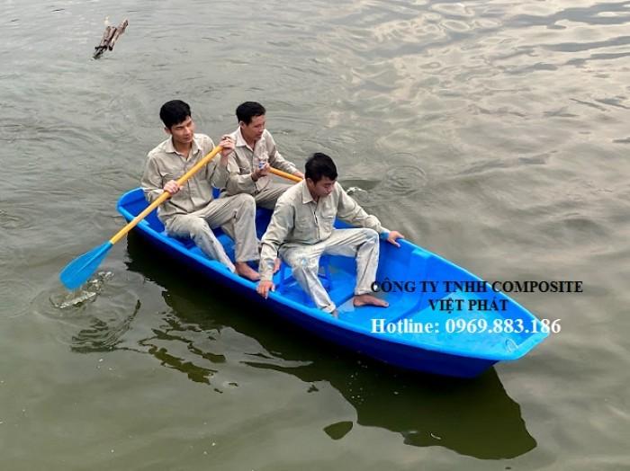 thuyen nhua: dùng cho nuôi trồng thủy sản2