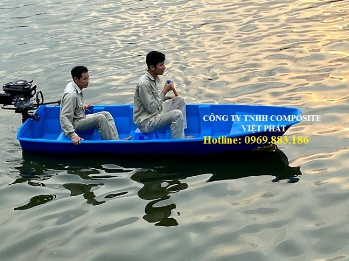 Thuyền nhựa : Lắp được động cơ từ 3.5hp - 9HP4
