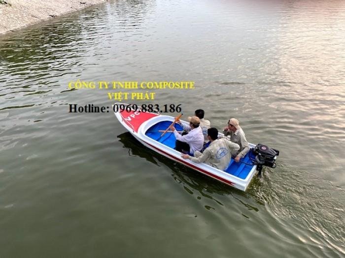 Thuyền nhưa : Lắp máy từ 6 - 20 hp1