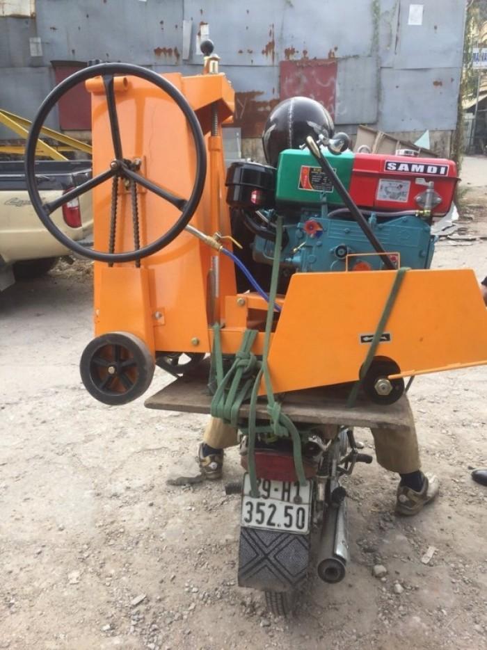 Máy cắt bê tông đầu nổ Diesel D8 giá rẻ,máy cắt bê tông chạy dầu ở đâu bán2