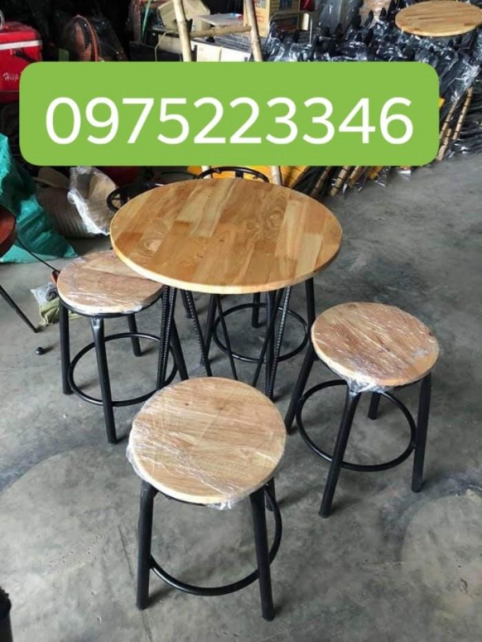 Thanh lý bàn ghế gỗ mầu mới cần bán gấp tại nơi sản xuất..1