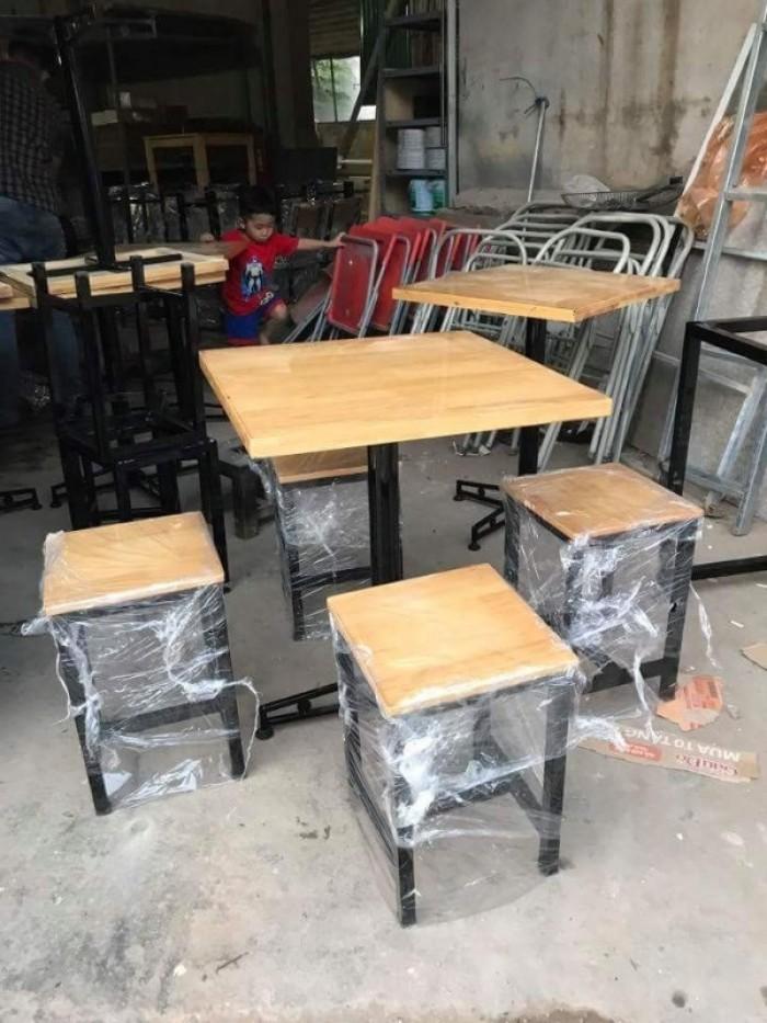 Thanh lý bàn ghế gỗ mầu mới cần bán gấp tại nơi sản xuất..4