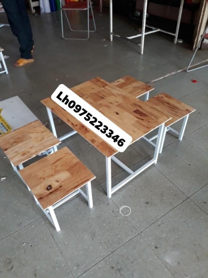 Thanh lý bàn ghế gỗ mầu mới cần bán gấp tại nơi sản xuất..5