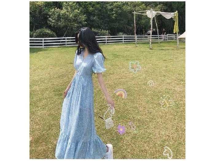 Đầm váy nữ maxi xòe hoa xanh tay phồng2