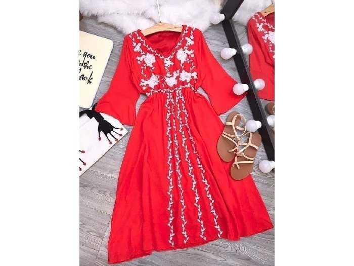 Đầm váy nữ đỏ đũi thêu hoa dág xòe bo eo3
