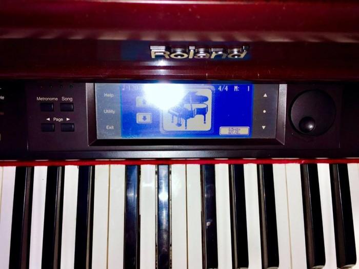 Piano roland kr-5750