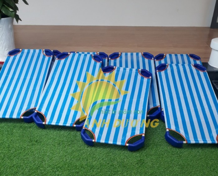 Giường lưới mầm non dành cho các bé siêu tiện lợi tiết kiệm dt8