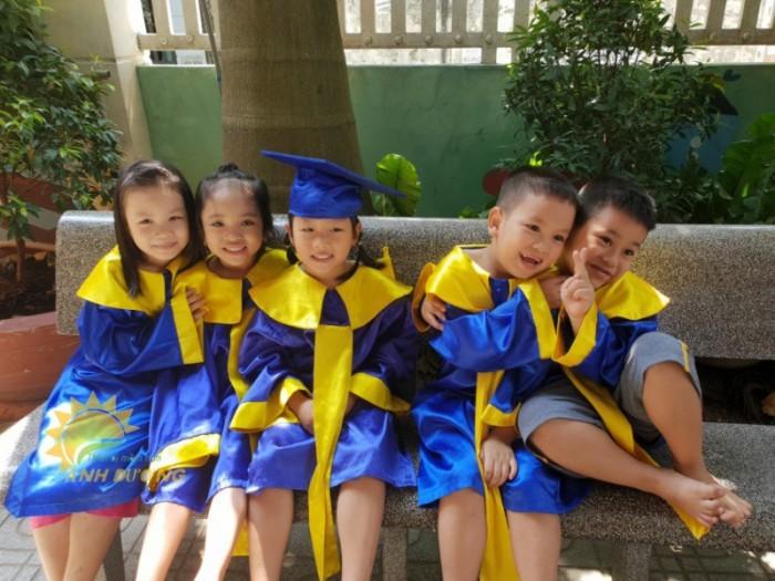 Chuyên đồng phục tốt nghiệp dành cho trẻ nhỏ mầm non giá rẻ, chất lượng cao1