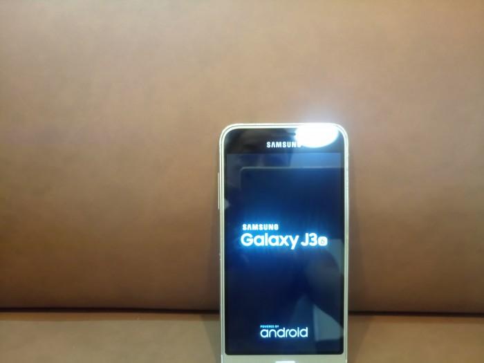 Điện thoại Samsung J3 2016 .0
