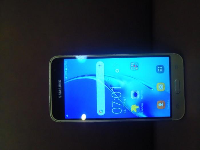 Điện thoại Samsung J3 2016 .1
