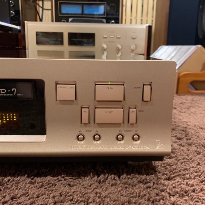 CD LUXMAN D-7 SIGNATURE ( Limited)0