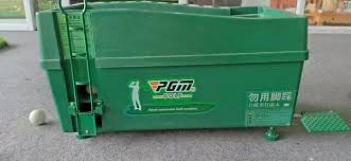 Máy phát bóng golf lên tee nhập khẩu0