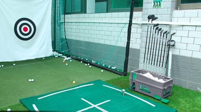 Máy phát bóng golf lên tee nhập khẩu7