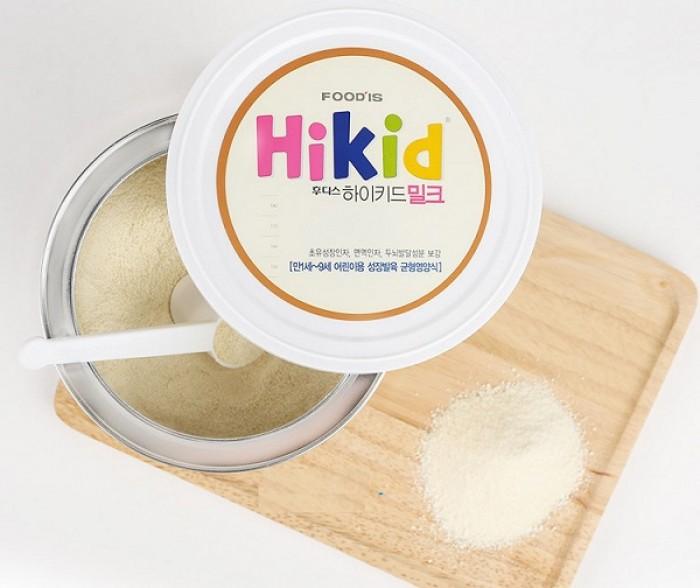Sữa Hikid vị vani 600g là sản phẩm dinh dưỡng đến từ tập đoàn Ildong Food'is Hàn Quốc với đặc điểm tập trung chủ yếu vào việc tăng chiều cao cho bé. Hikid mang đến bữa ăn dinh dưỡng cân bằng hỗ trợ trẻ phát triển cao lớn và khỏe mạnh. Thành phần sữa không chỉ cung cấp đầy đủ 5 dưỡng chất chính cần thiết cho sự tăng trưởng đồng đều của trẻ mà còn tăng cường hơn 60 dinh dưỡng tốt cho sự phát triển khỏe mạnh của bé về miễn dịch, tiêu hóa và phát triển trí não. Sản phẩm dùng cho trẻ từ 1 - 9 tuổi, c