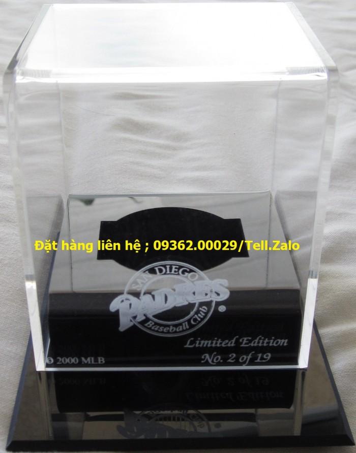 Các sản phẩm chuyên về hộp trưng bày sản phẩm mẫu mica13