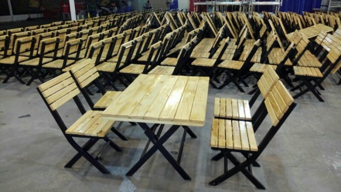 Thanh lý 200 bộ bàn ghế gỗ quán nhậu giá rẻ