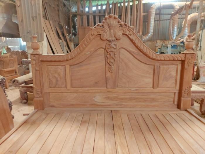 Giường ngủ hoàng gia sang trọng - gỗ gõ đỏ cao cấp tại quận 73