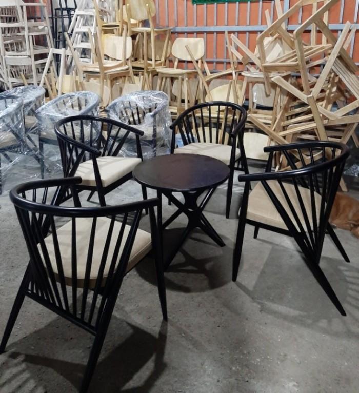 Bàn ghế gỗ 7 xong giá tại nơi sản xuất..0