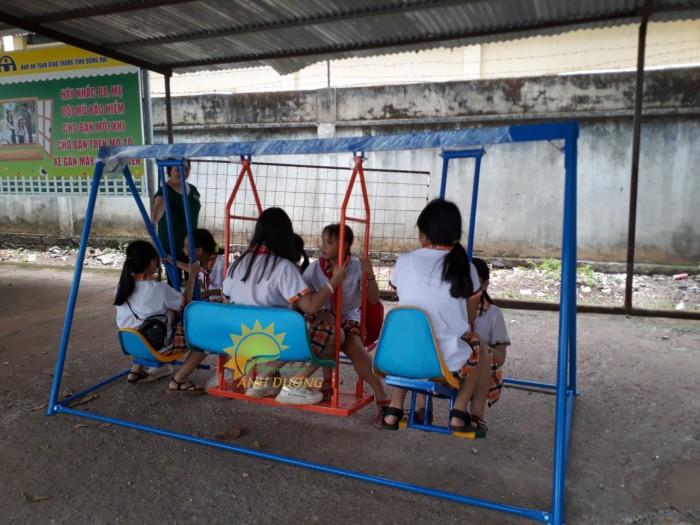 Cung cấp xích đu trẻ em cho trường mầm non, sân chơi, công viên2