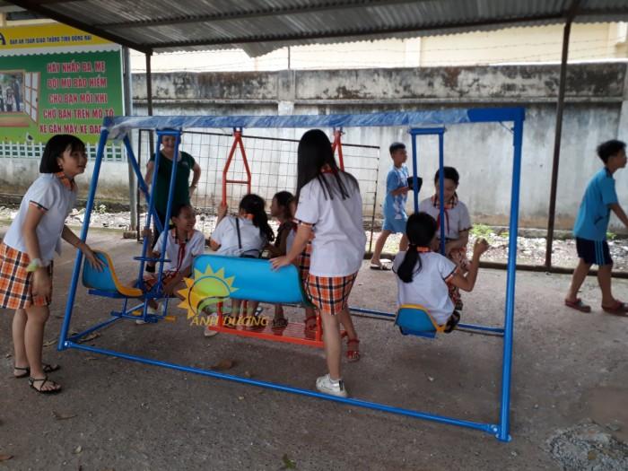 Cung cấp xích đu trẻ em cho trường mầm non, sân chơi, công viên3