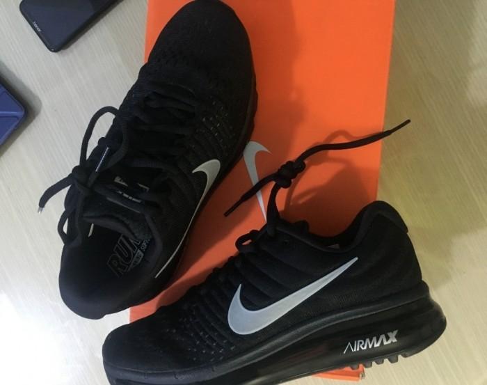 Giày Nike Air Max màu đen1