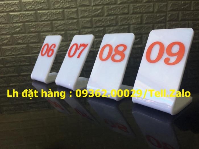 Biển số chờ mica in UV, biển số bàn giá rẻ2