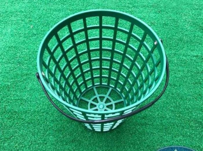 Giỏ đựng bóng golf bằng nhựa cao cấp.3