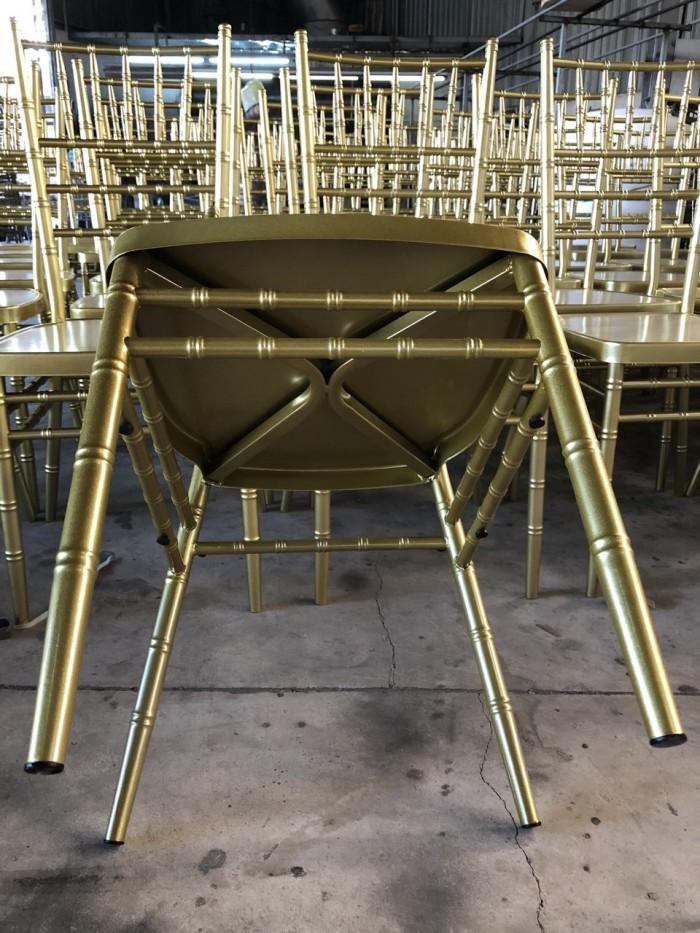 Thang lý ghế nhà hàng sắt sơn tỉnh điện cao cấp5