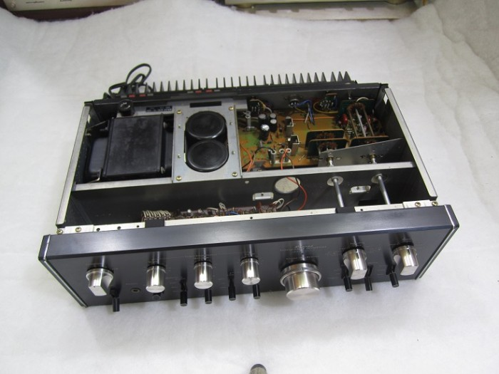 AMPLI SANSUI 79002