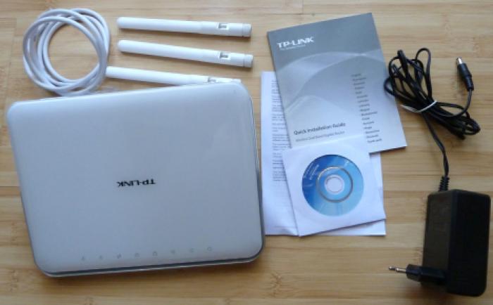 Router Gigabit Wi-Fi Băng tần kép AC1900 Archer C9  Trọn bộ gồm có; Đầu chủ Archer C9 AC1900, 3 x Ăng ten rời, Bộ cấp nguồn, Cáp Ethernet, Hướng dẫn cài đặt nhanh. 0