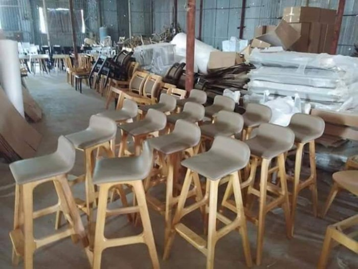 Ghế gỗ quầy có nệm.2