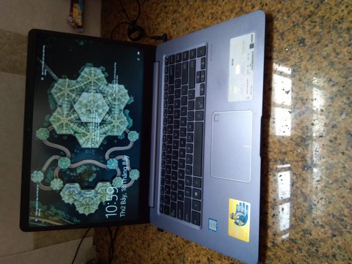 Laptop Asus i3 8130 4G 1Tb mới 90% bán gấp0