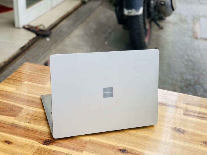 Surface Laptop 2/ i5 8250U/ 8G/ SSD128/ 2K/ Touch/ Win 10/ 13.5in/ Giá rẻ2