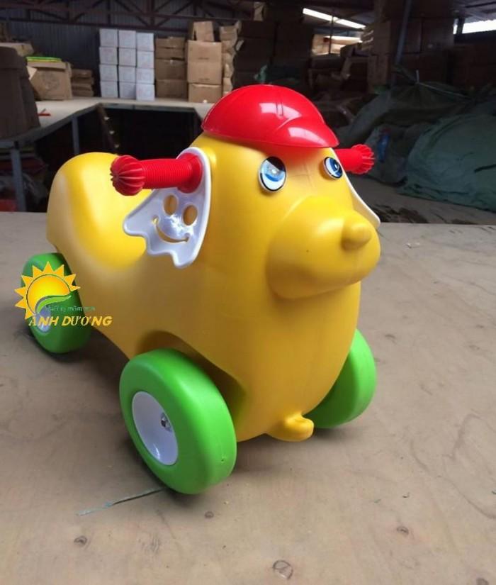 Chuyên đồ chơi xe chòi chân 4 bánh cho trẻ em mầm non3