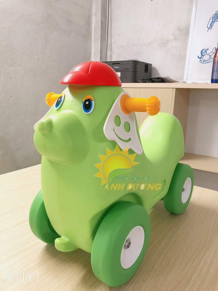 Chuyên đồ chơi xe chòi chân 4 bánh cho trẻ em mầm non6