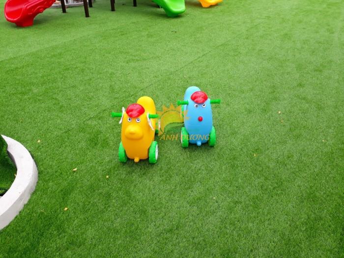 Chuyên đồ chơi xe chòi chân 4 bánh cho trẻ em mầm non12