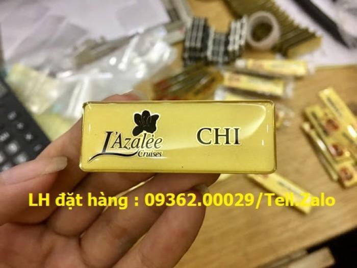 Bảng tên, thẻ tên nhân viên cài ngực – Thẻ mica in logo phủ nhũ -Xưởng chuyên1