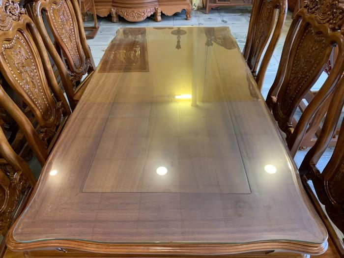 Bộ bàn ăn 6 ghế gỗ tự nhiên được ưa chuộng nhất tại Sài Gòn1